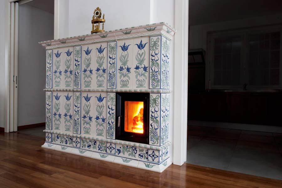 Stufa in Ceramica Maiolica