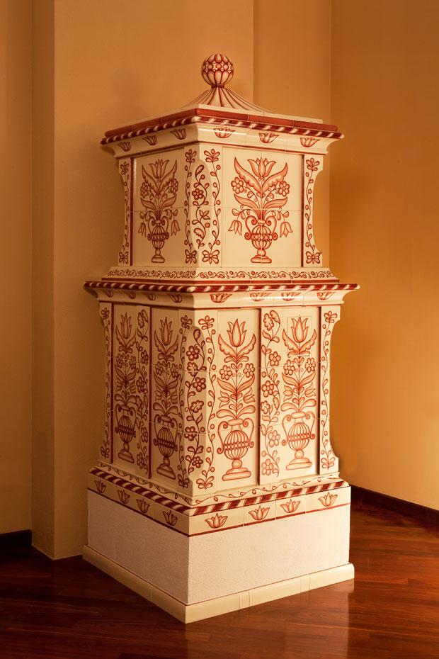 stufa tirolese in ceramica maiolica tradizionale