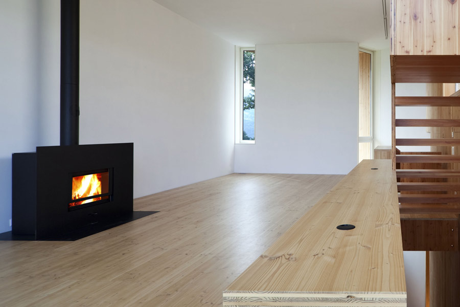 Stufa radiante a risparmio energetico e camini in ceramica for Stufa radiante a risparmio energetico