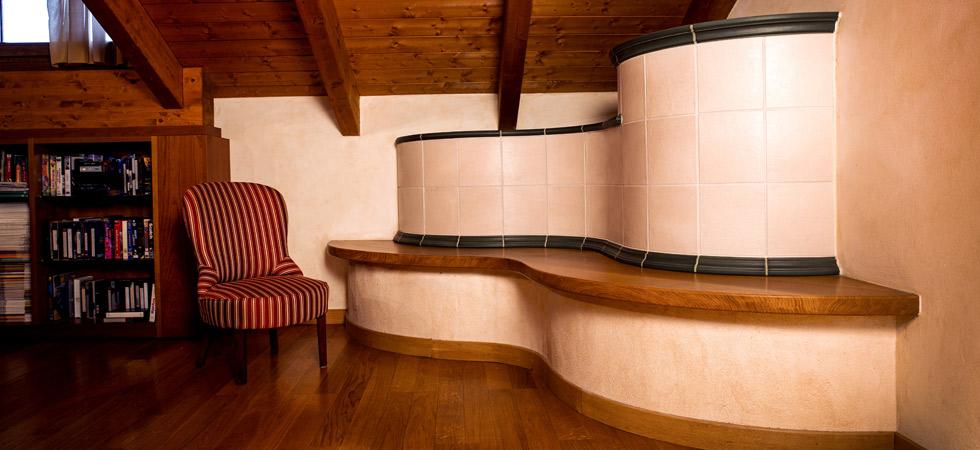 stufa in ceramica e camino in maiolica artigianale
